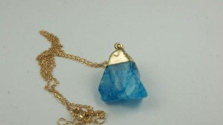 Wisiorek z niebieskim kamieniem W118