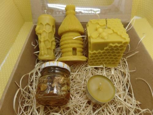Zestaw prezentowy trzech świec lanych z wosku pszczelego