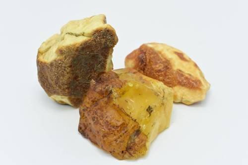 Zestaw trzech bryłek bursztynu bałtyckiego 233 g